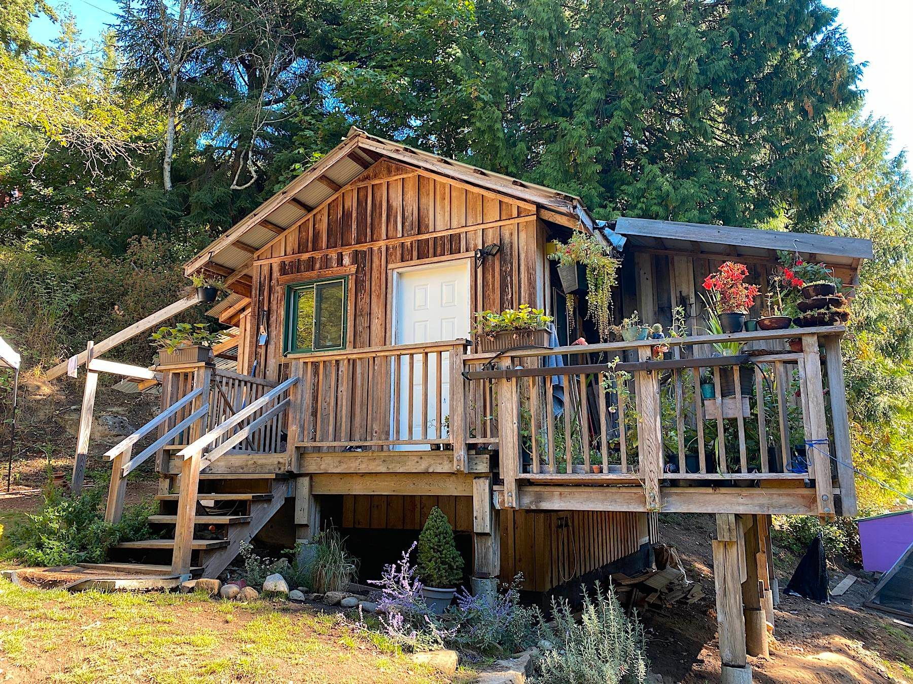 Main Photo: 840 COTTAGE Way: Galiano Island House for sale (Islands-Van. & Gulf)  : MLS®# R2618295