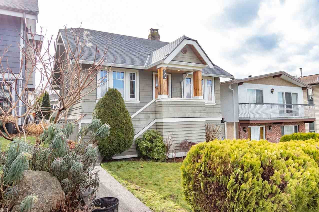 Main Photo: 3434 DUNDAS Street in Vancouver: Hastings Sunrise House for sale (Vancouver East)  : MLS®# R2541879