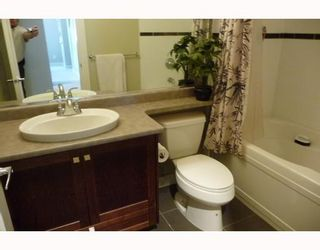 """Photo 6: 5 7388 MACPHERSON Avenue in Burnaby: Metrotown Townhouse for sale in """"ACACIA GARDENS"""" (Burnaby South)  : MLS®# V782079"""