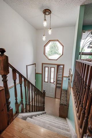 Photo 2: 363 Crean Crescent in Saskatoon: Lakeview SA Residential for sale : MLS®# SK861282