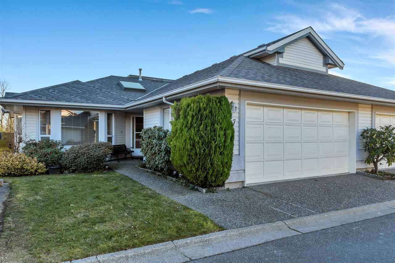 """Main Photo: 47 31406 UPPER MACLURE Road in Abbotsford: Abbotsford West Townhouse for sale in """"Ellwood Estates"""" : MLS®# R2537471"""