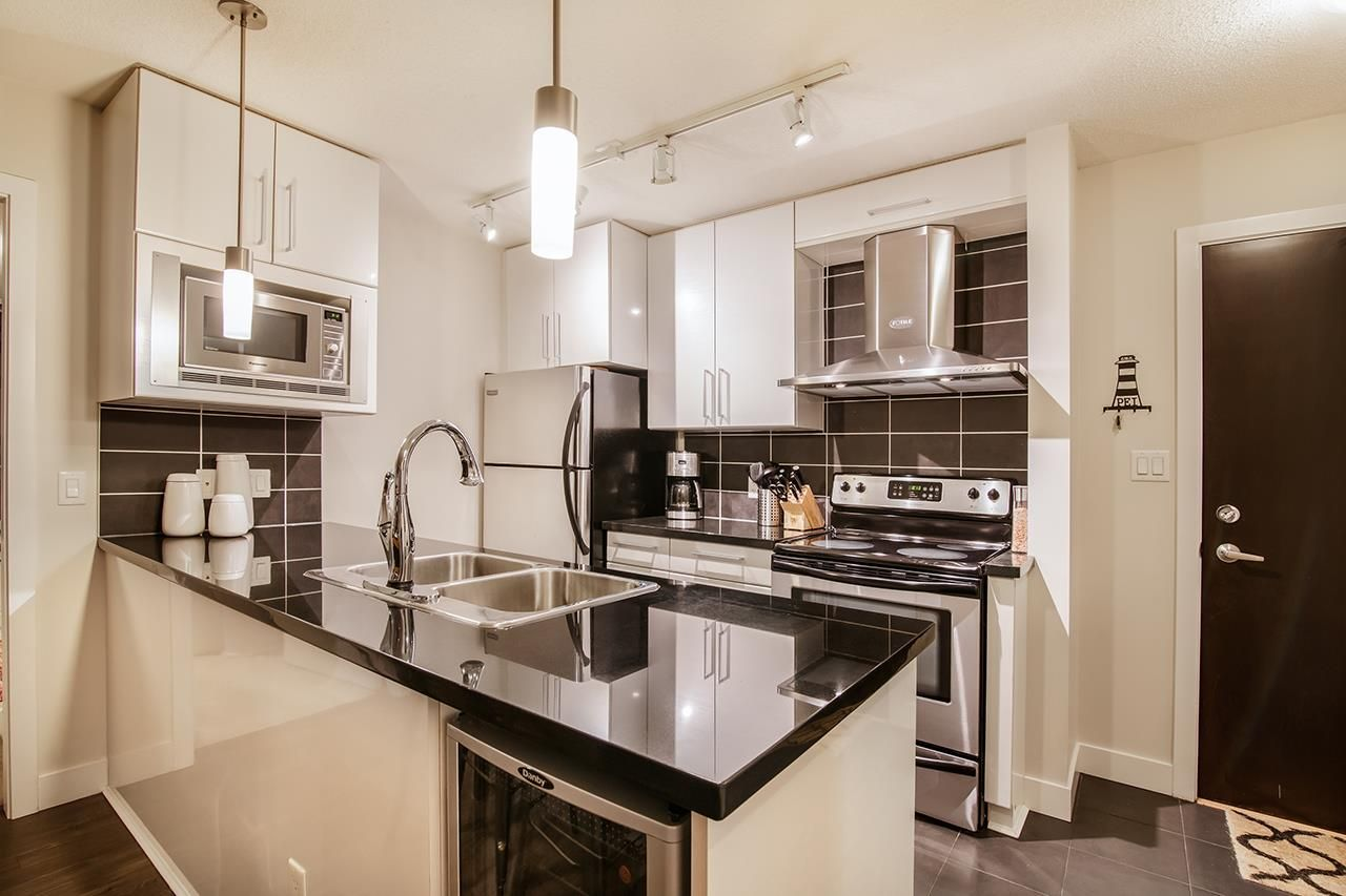 """Photo 9: Photos: 702 689 ABBOTT Street in Vancouver: Downtown VW Condo for sale in """"ESPANA"""" (Vancouver West)  : MLS®# R2352723"""