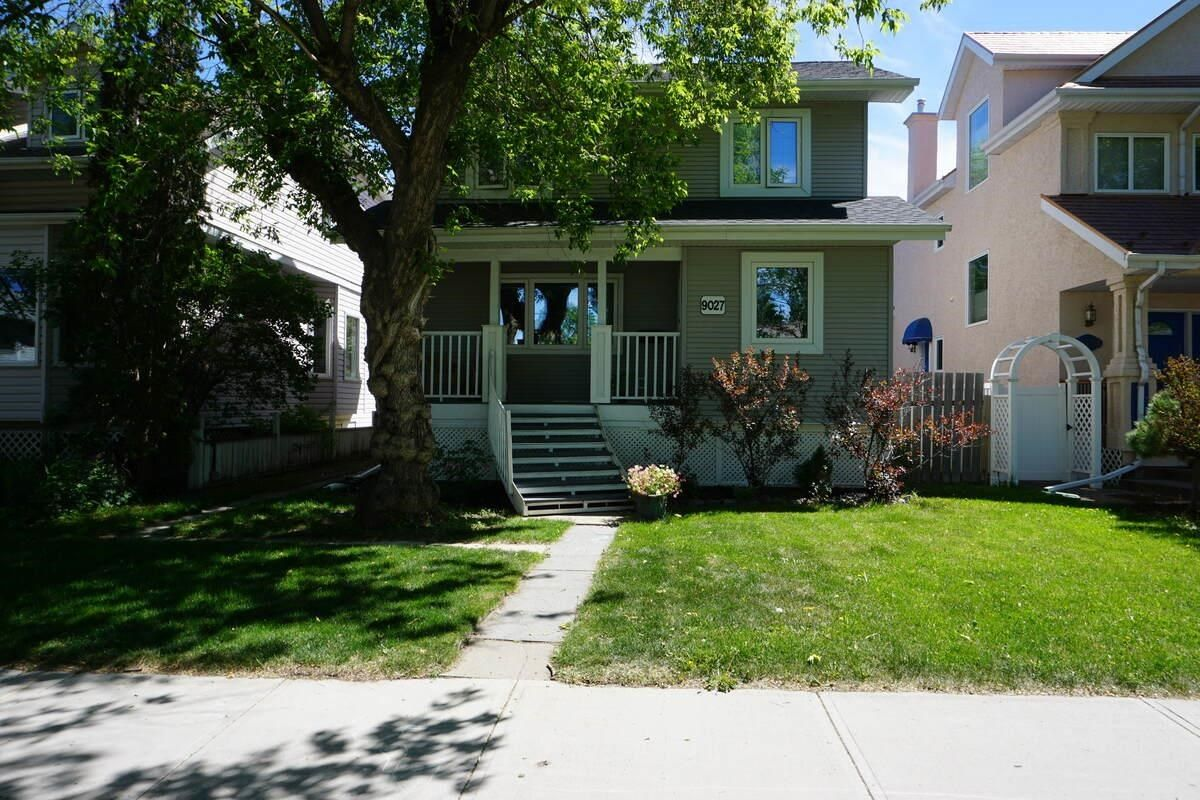 Main Photo: 9027 93 Street in Edmonton: Zone 18 House for sale : MLS®# E4248922