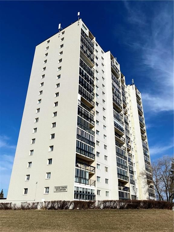 Main Photo: 4D 1975 Corydon Avenue in Winnipeg: River Heights Condominium for sale (1C)  : MLS®# 202111513