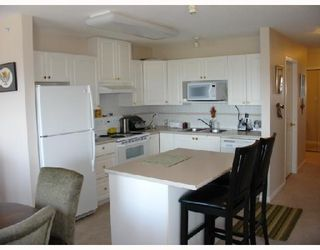"""Photo 4: 1303 612 6TH Street in New_Westminster: Uptown NW Condo for sale in """"THE WOODWARD"""" (New Westminster)  : MLS®# V659240"""