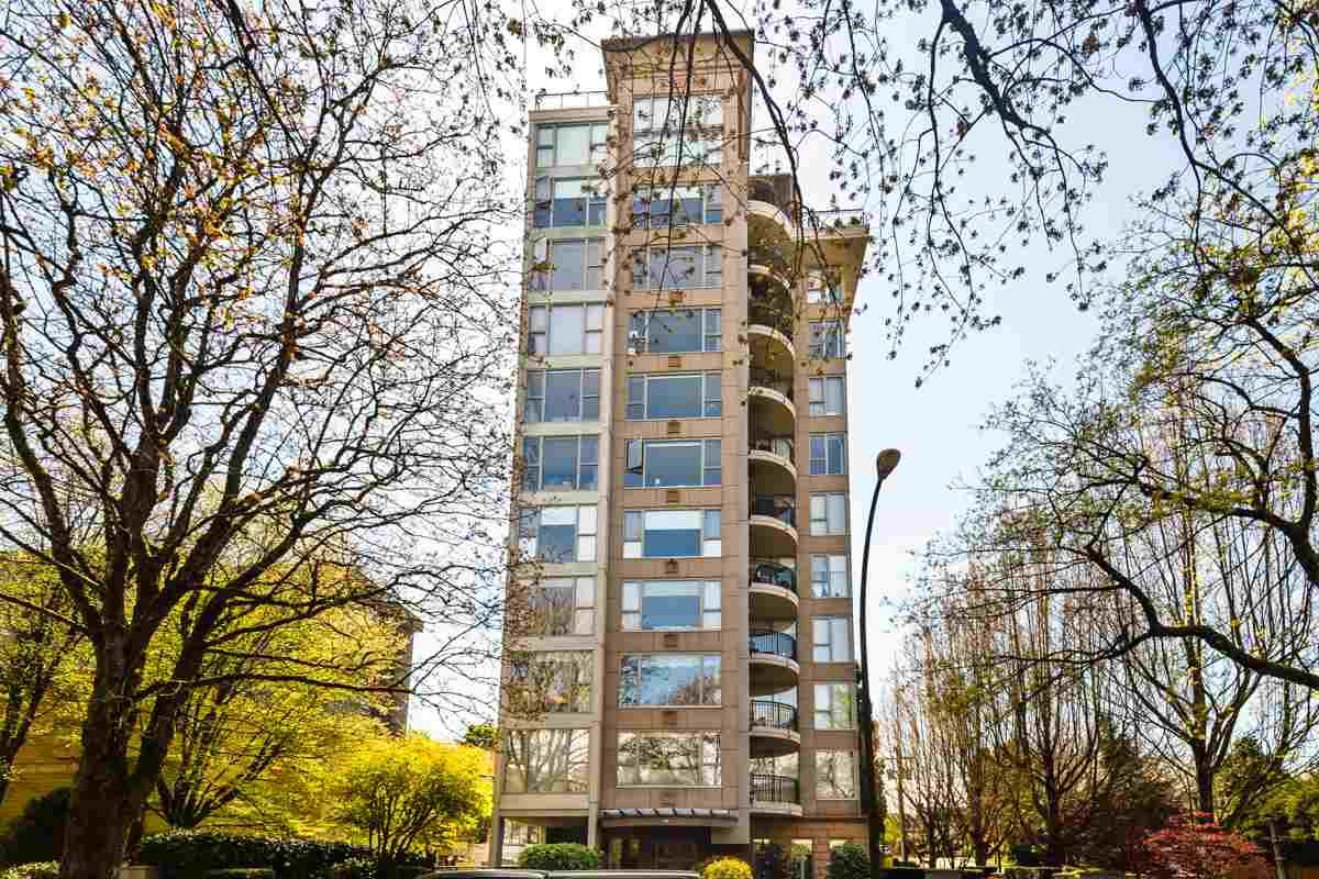 """Main Photo: 900 1788 W 13TH Avenue in Vancouver: Fairview VW Condo for sale in """"THE MAGNOLIA"""" (Vancouver West)  : MLS®# R2497549"""