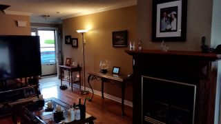 """Photo 4: 1 9970 149TH Street in Surrey: Guildford Townhouse for sale in """"tall timbers"""" (North Surrey)  : MLS®# R2096216"""