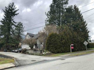 Photo 3: 232 NELSON Street in Coquitlam: Maillardville House for sale : MLS®# R2245857