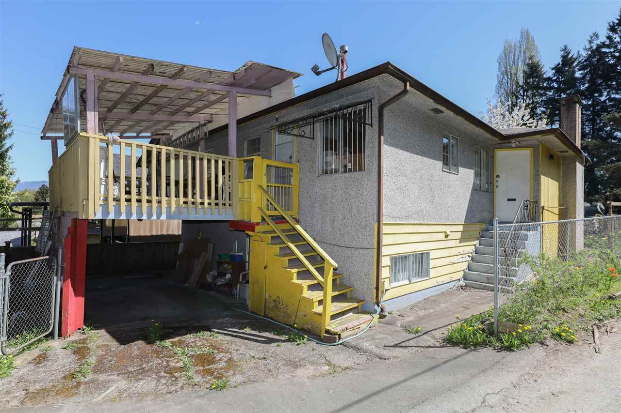 Main Photo: 3605 MARSHALL Street in Vancouver: Grandview Woodland House for sale (Vancouver East)  : MLS®# R2570232