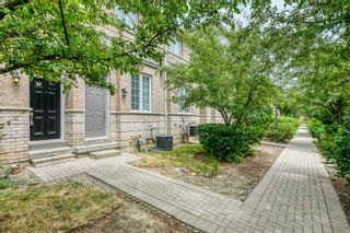 Photo 2: 249 23 Observatory Lane in Richmond Hill: Observatory Condo for sale : MLS®# N4886602