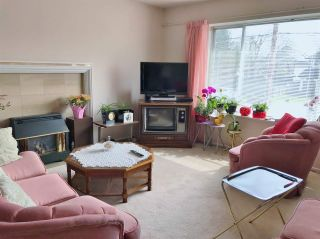 "Photo 2: 3791 BROADWAY Street in Richmond: Steveston Village House for sale in ""STEVESTON VILLAGE"" : MLS®# R2579355"