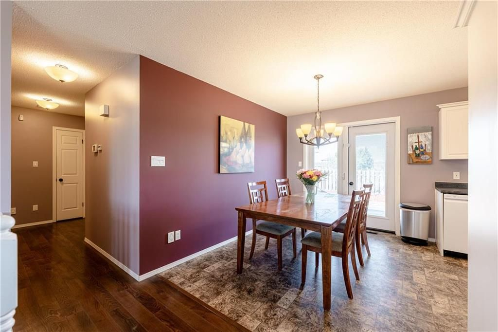 Photo 8: Photos: 20 PENROSE Crescent in Steinbach: R16 Residential for sale : MLS®# 202107867