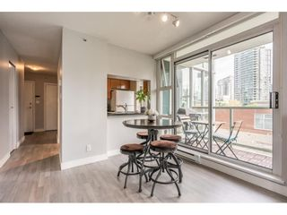 """Photo 7: 607 1077 MARINASIDE Crescent in Vancouver: Yaletown Condo for sale in """"Marinaside Resort"""" (Vancouver West)  : MLS®# R2573754"""