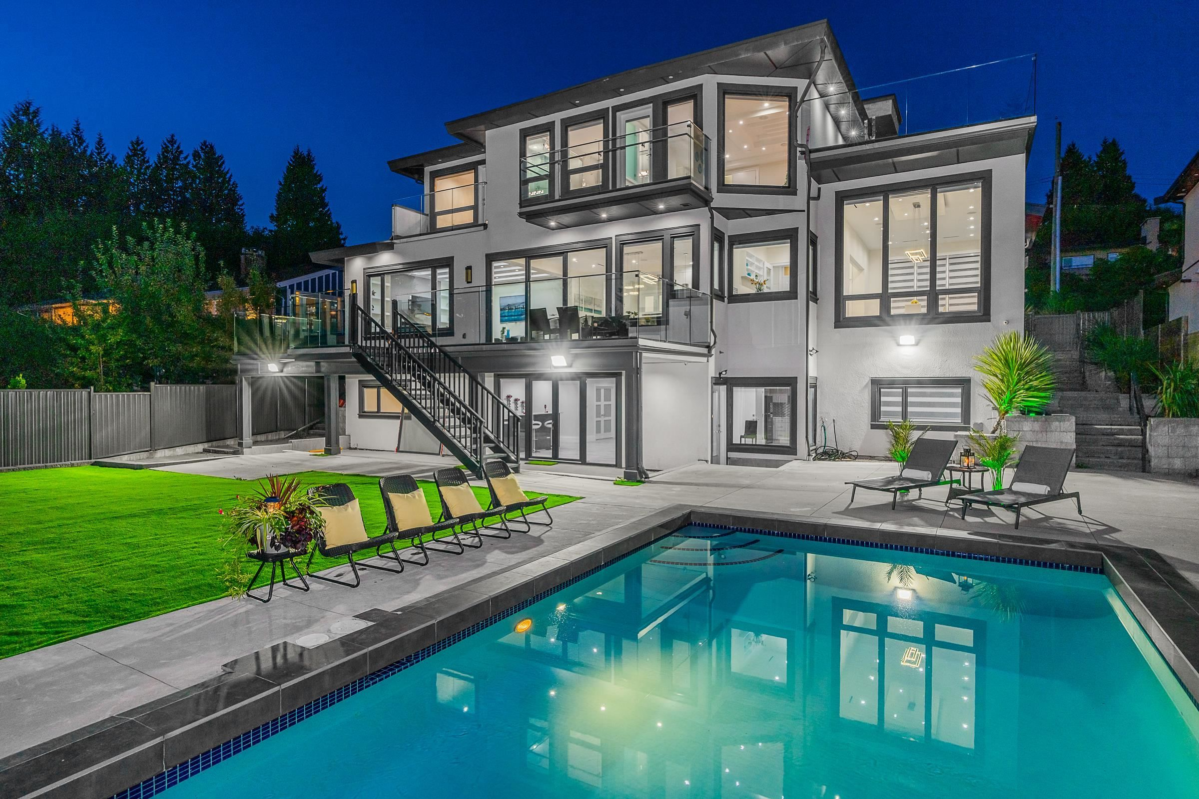 Main Photo: 1266 OTTABURN Road in West Vancouver: British Properties House for sale : MLS®# R2619632