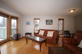 Photo 2: 1 West Mackay Crescent: Cochrane Detached for sale : MLS®# A1112878