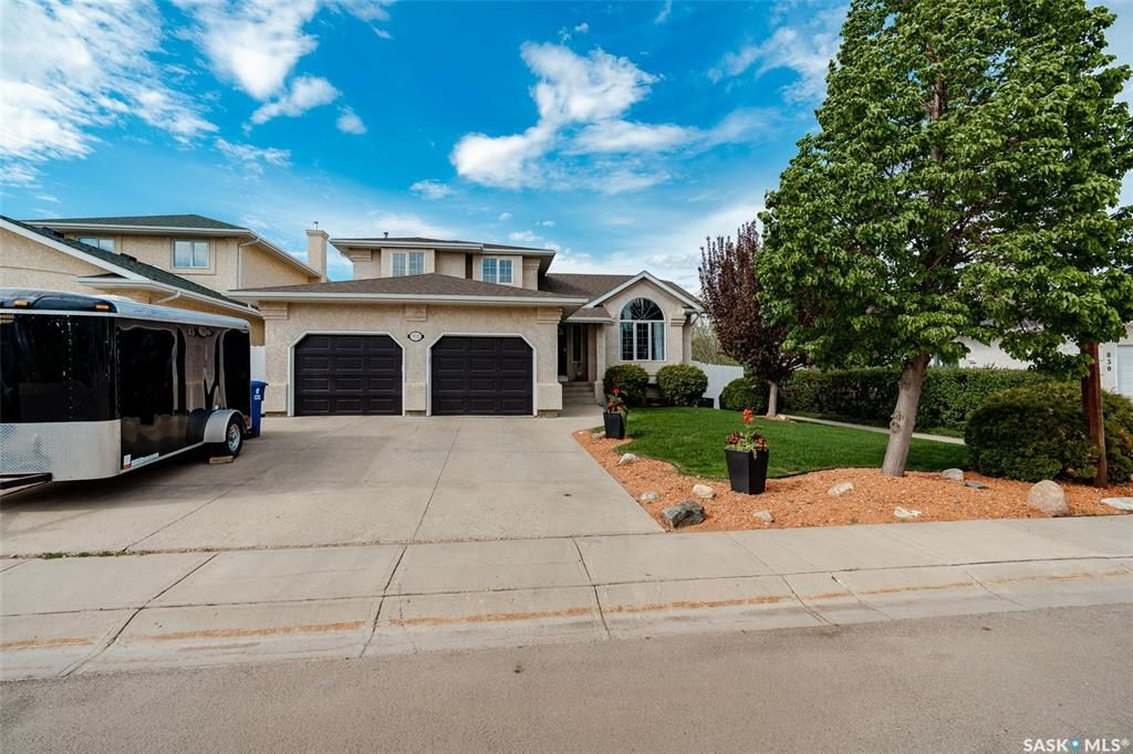 Main Photo: 902 Laycoe Crescent in Saskatoon: Silverspring Residential for sale : MLS®# SK859176