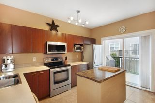 Photo 2: 52-11067 Barnston View Road in Pitt Meadows: South Meadows Townhouse for sale : MLS®# R2145745