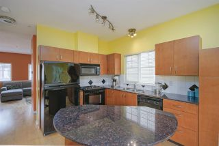 "Photo 7: 21 1108 RIVERSIDE Close in Port Coquitlam: Riverwood Townhouse for sale in ""HERITAGE MEADOWS"" : MLS®# R2396289"