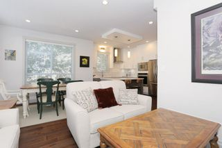 """Photo 4: 7 1338 FOSTER Street: White Rock Townhouse for sale in """"EARLS COURT"""" (South Surrey White Rock)  : MLS®# R2051150"""