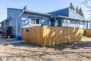 Photo 2: 431 Fines Drive in Regina: Glencairn Village Residential for sale : MLS®# SK849126