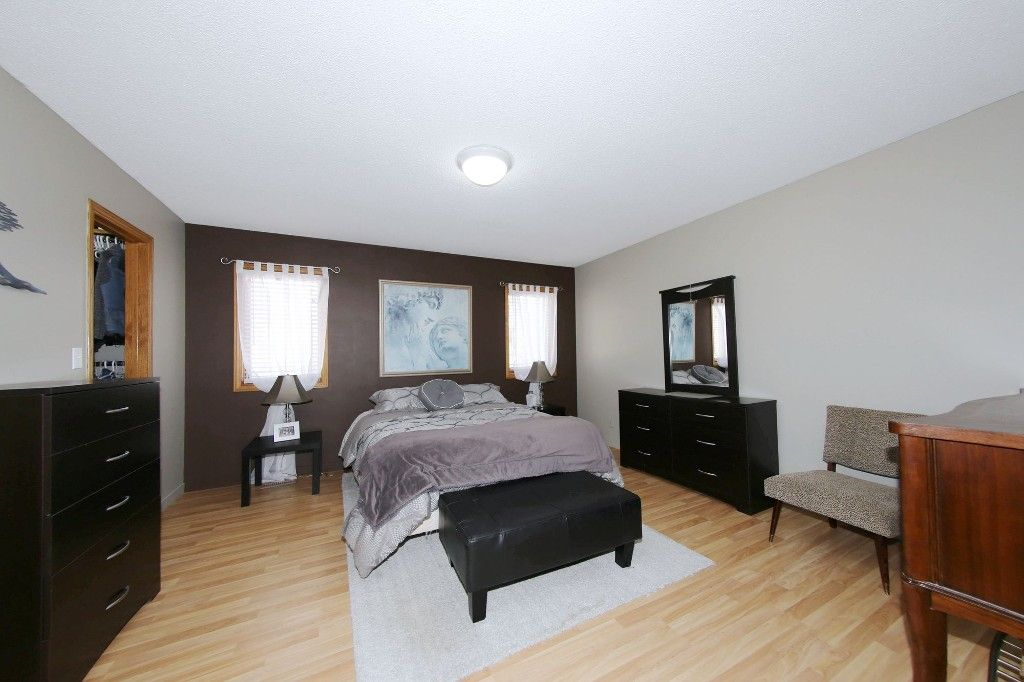Photo 19: Photos: 123 Hunterspoint Road in Winnipeg: Charleswood Single Family Detached for sale (1G)  : MLS®# 1707500