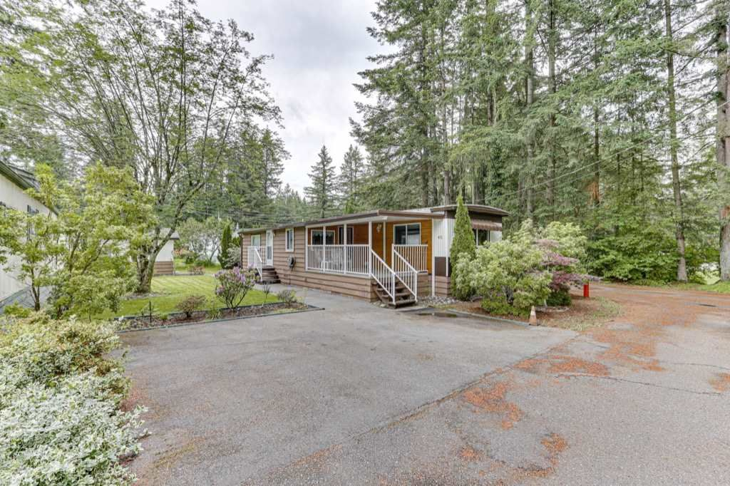 """Main Photo: 62 20071 24 Avenue in Langley: Brookswood Langley Manufactured Home for sale in """"Fernridge"""" : MLS®# R2465265"""