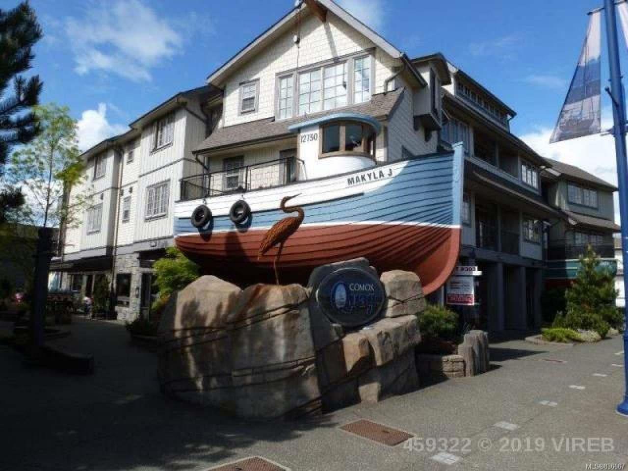 Main Photo: 203 1695 Comox Ave in COMOX: CV Comox (Town of) Condo for sale (Comox Valley)  : MLS®# 836667