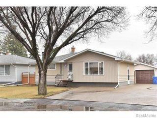 Photo 3: 67 MERLIN Crescent in Regina: Coronation Park Single Family Dwelling for sale (Regina Area 03)  : MLS®# 566828