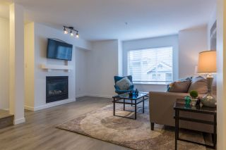"""Photo 10: 44 6651 203RD Street in Langley: Willoughby Heights Townhouse for sale in """"Sunscape"""" : MLS®# R2206956"""
