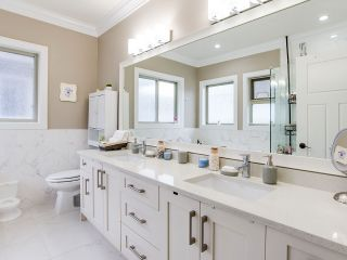 """Photo 9: 21028 76A Avenue in Langley: Willoughby Heights House for sale in """"Yorkson"""" : MLS®# R2387312"""