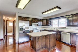 Photo 9: 2510 26 Street SE in Calgary: Southview Detached for sale : MLS®# A1105105