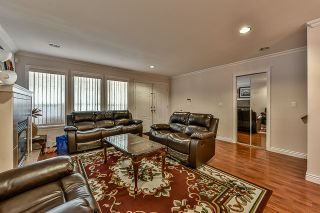 Photo 3: 6469 141A Street in Surrey: East Newton House for sale : MLS®# R2051931