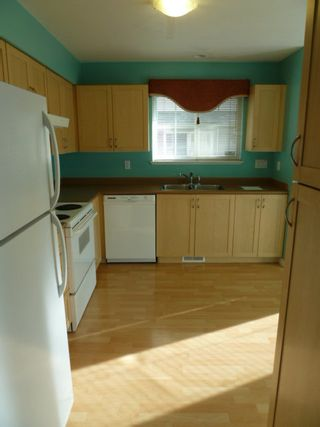 Photo 3: 44 8888 151 Street in Carlingwood: Home for sale : MLS®# F1124202