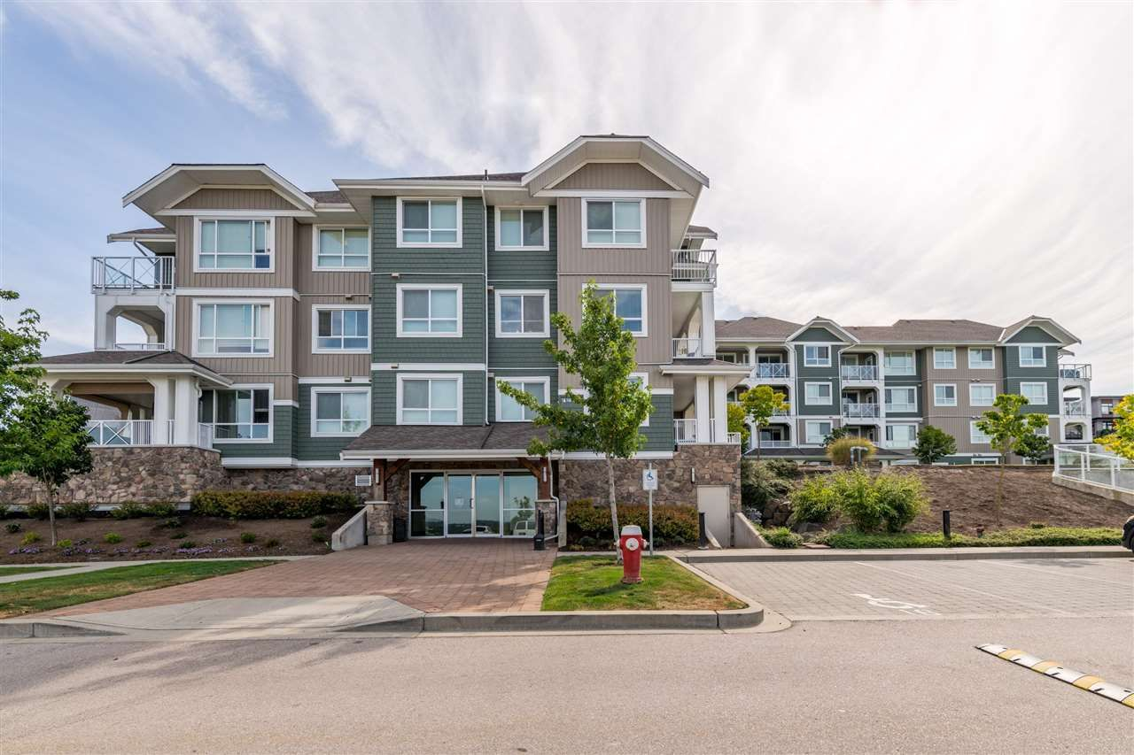 """Main Photo: 412 16398 64 Avenue in Surrey: Cloverdale BC Condo for sale in """"The Ridge at Bose Farms"""" (Cloverdale)  : MLS®# R2515803"""