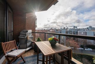 """Photo 31: 510 1490 PENNYFARTHING Drive in Vancouver: False Creek Condo for sale in """"Harbour Cove"""" (Vancouver West)  : MLS®# R2618903"""
