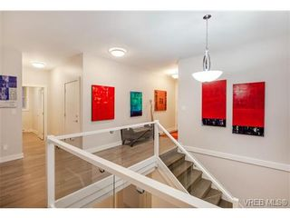 Photo 12: 114 1177 Deerview Pl in VICTORIA: La Bear Mountain House for sale (Langford)  : MLS®# 684098