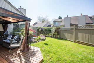 """Photo 13: 6109 GREENSIDE Drive in Surrey: Cloverdale BC Townhouse for sale in """"Greenside Estates"""" (Cloverdale)  : MLS®# R2264200"""