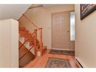 """Photo 2: 18 2830 W BOURQUIN Crescent in Abbotsford: Central Abbotsford Townhouse for sale in """"Abbotsford Court"""" : MLS®# F1429320"""