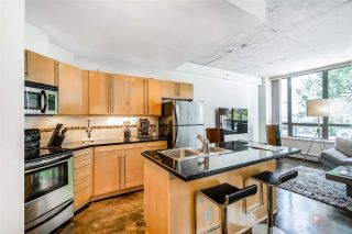 """Photo 11: 202 919 STATION Street in Vancouver: Strathcona Condo for sale in """"Left Bank"""" (Vancouver East)  : MLS®# R2413251"""