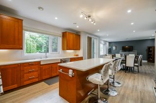"""Photo 7: 2858 269 Street in Langley: Aldergrove Langley House for sale in """"BETTY GILBERT AREA"""" : MLS®# R2457000"""