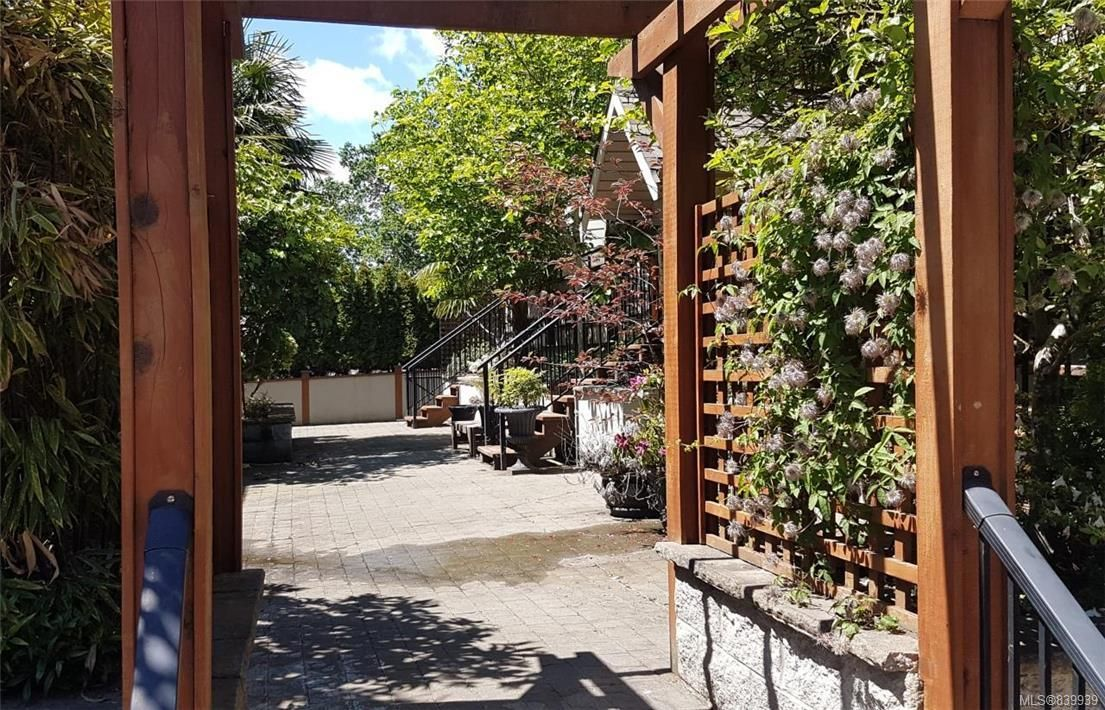 Photo 20: Photos: 205 785 Station Ave in Langford: La Langford Proper Row/Townhouse for sale : MLS®# 839939
