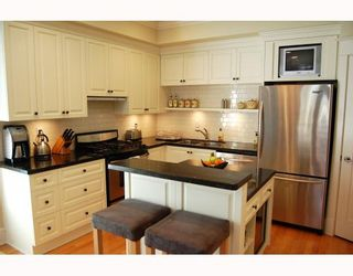 """Photo 4: 166 W 14TH Avenue in Vancouver: Mount Pleasant VW Townhouse for sale in """"HALLHAUS"""" (Vancouver West)  : MLS®# V811944"""