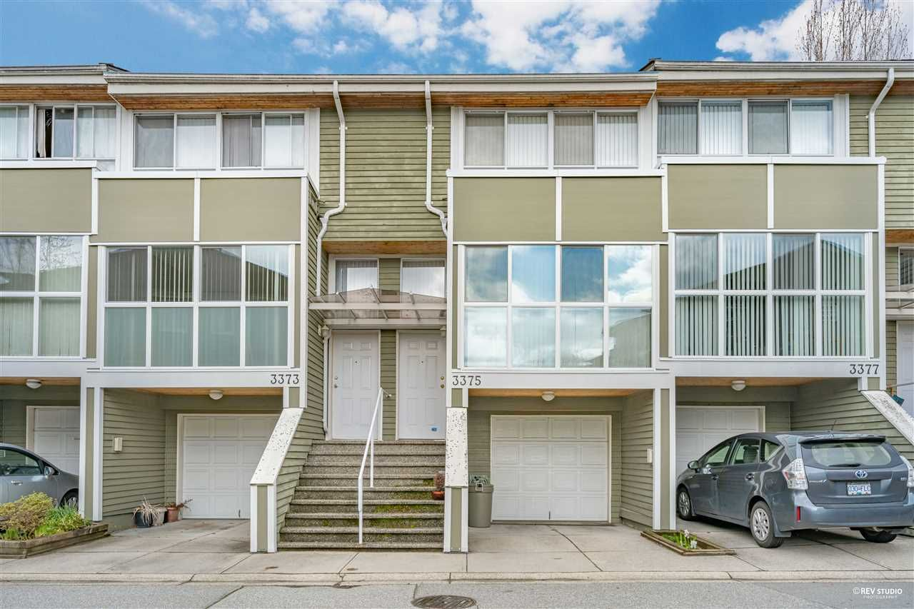 """Main Photo: 3375 FIELDSTONE Avenue in Vancouver: Champlain Heights Townhouse for sale in """"Marine Woods"""" (Vancouver East)  : MLS®# R2557632"""