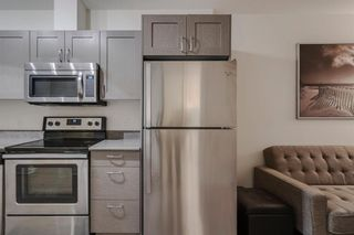 Photo 5: 504 30 Brentwood Common NW in Calgary: Brentwood Apartment for sale : MLS®# A1047644