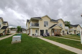Main Photo: 24 33 Jennings Crescent: Red Deer Row/Townhouse for sale : MLS®# A1117422