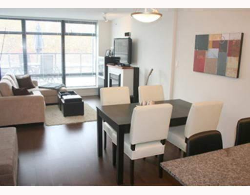"""Main Photo: 303 610 VICTORIA Street in New_Westminster: Downtown NW Condo for sale in """"THE POINT"""" (New Westminster)  : MLS®# V752924"""