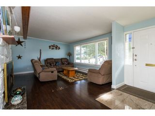 Photo 4: 13335 80 Avenue in Surrey: Queen Mary Park Surrey House for sale : MLS®# R2165101