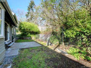 Photo 25: 1086 W Burnside Rd in VICTORIA: SW Strawberry Vale House for sale (Saanich West)  : MLS®# 812559