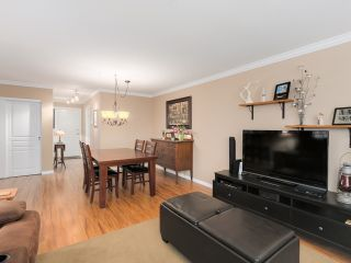 "Photo 15: 212 8450 JELLICOE Street in Vancouver: Fraserview VE Condo for sale in ""Boardwalk"" (Vancouver East)  : MLS®# R2037508"