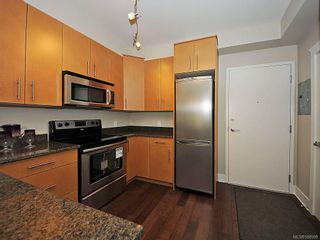 Photo 3: 306 21 Conard St in View Royal: VR Hospital Condo for sale : MLS®# 588598